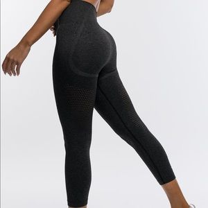 Echt Apparel Arise Leggings- Pirate Black (MED)